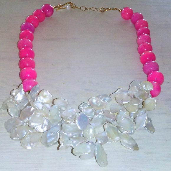 Jewelry - Vintage Pink Glass Beaded Statement Necklace